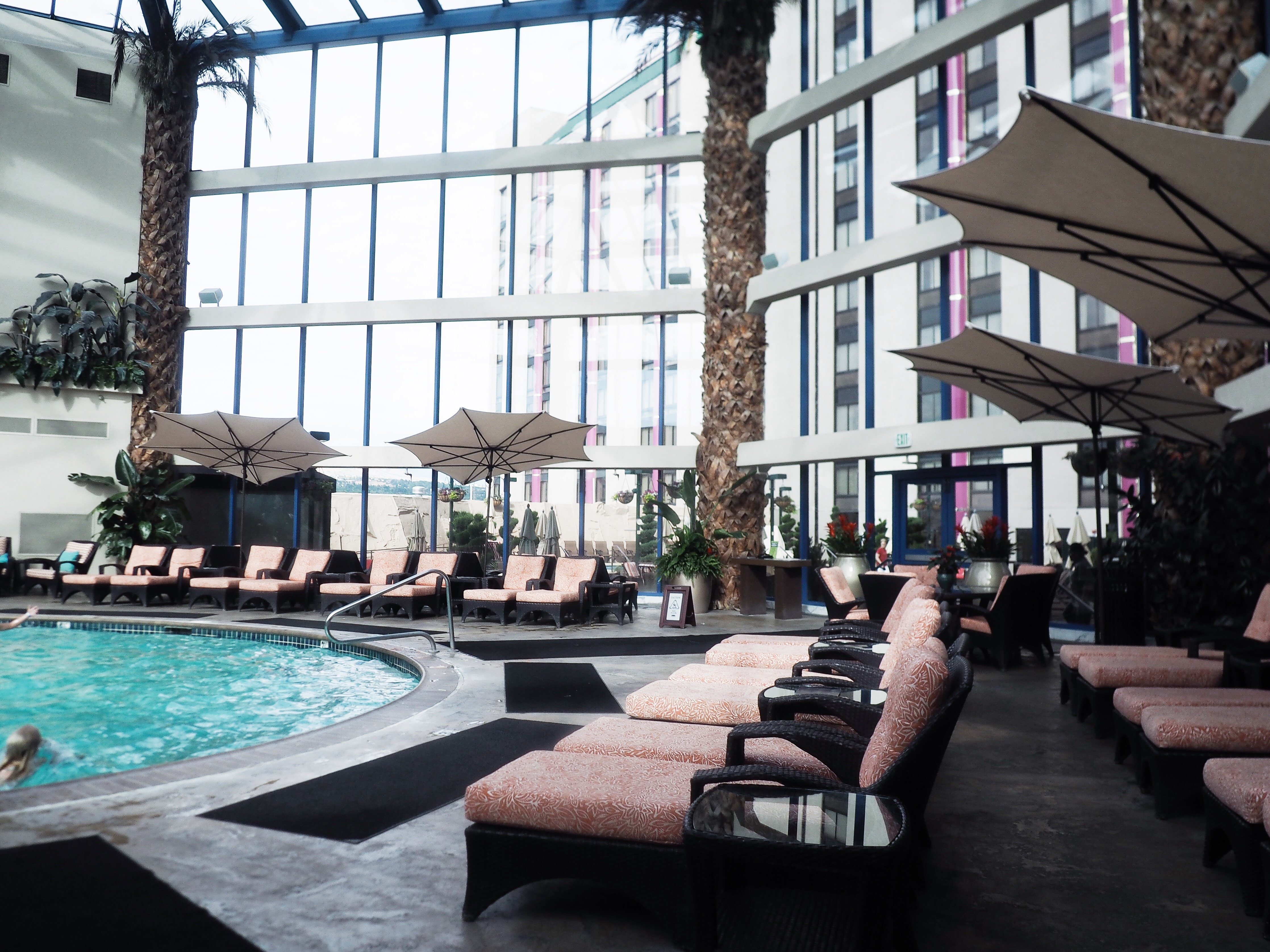 Spend a weekend in Reno's Atlantis Casino with Kelsey from Blondes & Bagels!